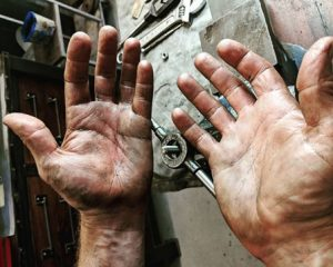 Big Wipes antibacterial wipes Damage control with Big Wipe Dirty Hands