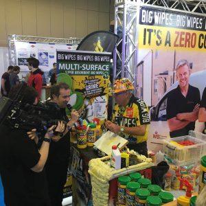 David Big Wipes Installer Show on Camera